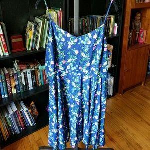 Old Navy blue floral sun dress size XL